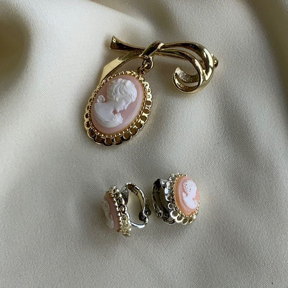Cameo earrings and brooch